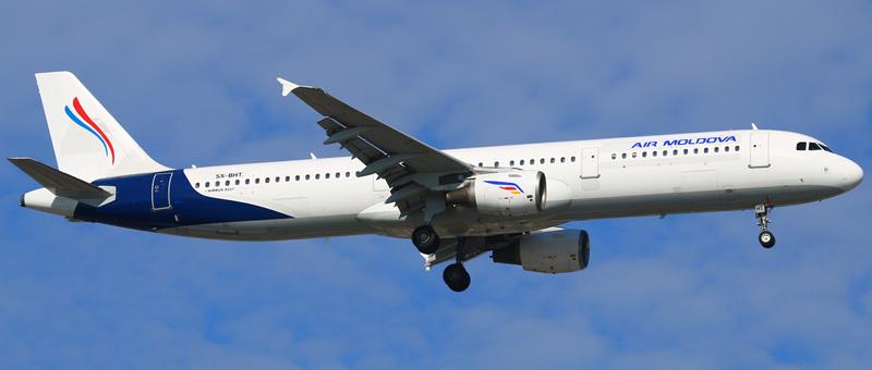 Airbus A321-200 Air Moldova