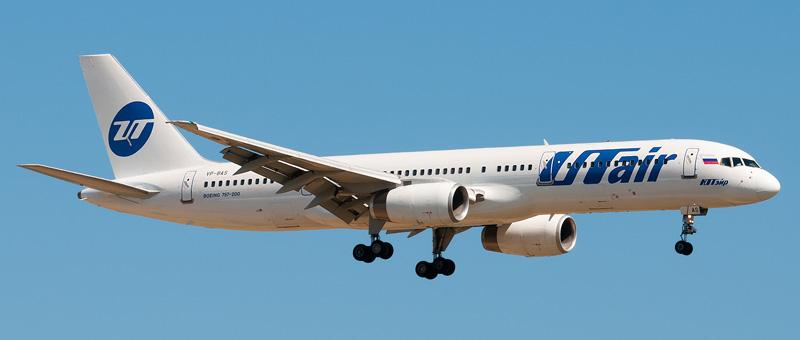 Boeing 757-200 UTAir (VP-BAS)