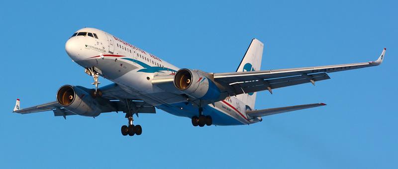 ТУ-204-300 Владивосток Авиа