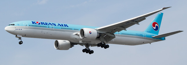 Boeing 777-300 Korean AirLines HL8275